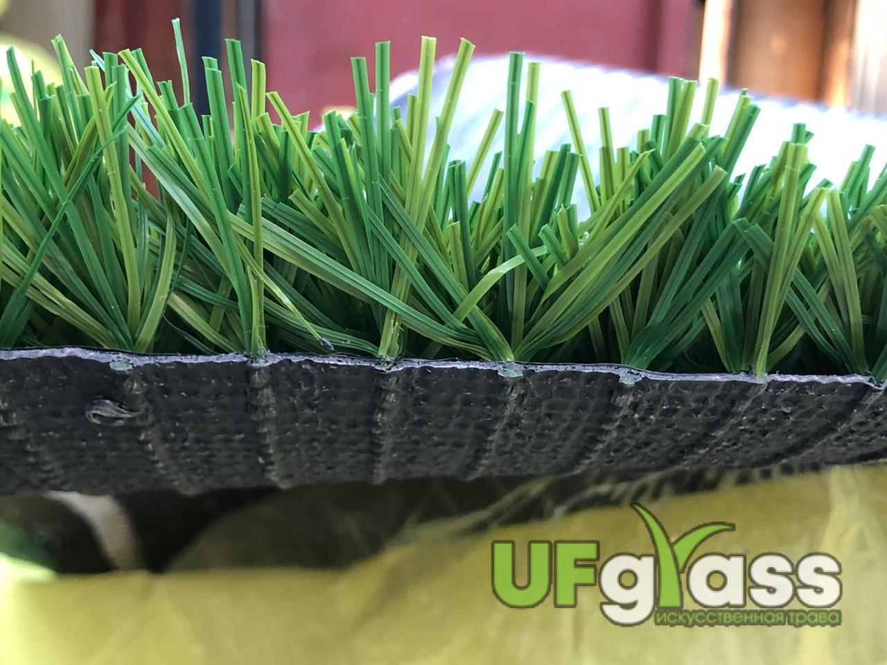 Пришла трава для мини-футбола 40 мм UF Grass Spine (11000 Dtex, Стежков: 12160 кв.м)